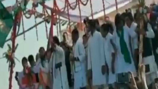 Stages collapse during Congress rallies in Darbhanga