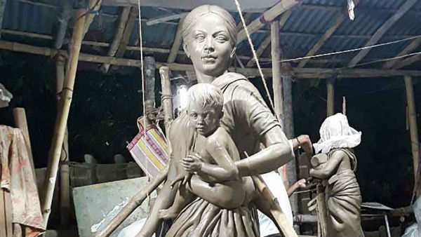 West Bengal: Kolkata Puja Pandal Replaces Durga Idol with Migrant Woman