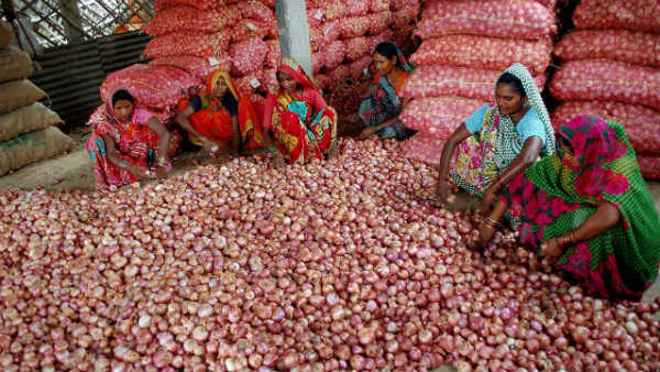ap government to sell onions at subsidised price of rs.40 in raithu bazars from today