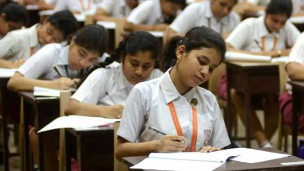 SC dismisses a plea seeking a direction to CBSE, Delhi government to waive off exams fees
