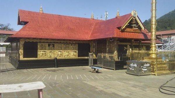 Sabarimala: అయ్యప్ప సన్నిధానం ఖాళీ, 18వ దశాబ్దంలో ఒకసారి, ఆ మార్గంలో ఒక్క భక్తుడు రాలేదు, చాన్స్!