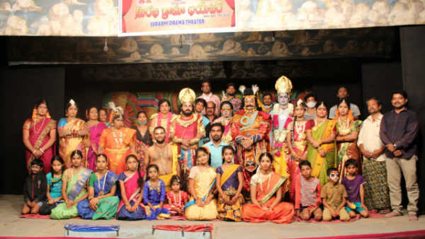 8th generation of Surabhi theatre group perform dramas online in view of Pandemic