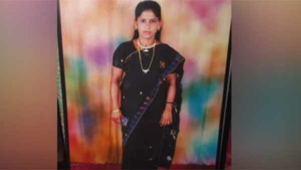 Alone Aunty: విదేశాల్లో కూతురు, రాత్రి ఆంటీని నగ్నంగా చేసి గొంతు కోసి, కసితీరా పొడిచి, రేప్ చేసి !
