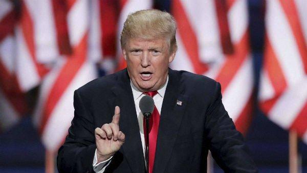 US elections 2020: చెత్తబుట్టలో ట్రంప్... ఓ మ్యూజియం నిర్వాకం .. ప్రజా తీర్పు ఇలాగే ఉంటుందా ?