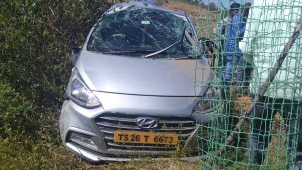 four killed on spot after car its divider and jumps in narayanapet district