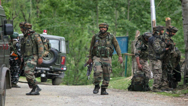 Terrorists enter PDP leader Haji Ahmed's house in Srinagar, open fire