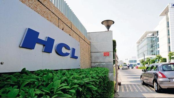 hcl technologies to hire 20,000 people in next two quarters says ceo vijay kumar