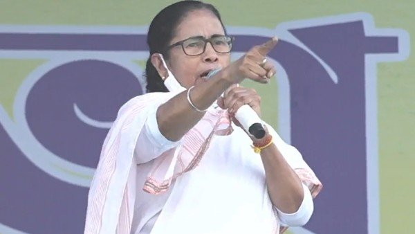 దీదీకి షాకిచ్చి పార్టీ పదవులకు ఎమ్మెల్యే రాజీనామా.. సొంత పార్టీ నేతలపై ఆరోపణలకు షోకాజ్ నోటీస్ జారీ