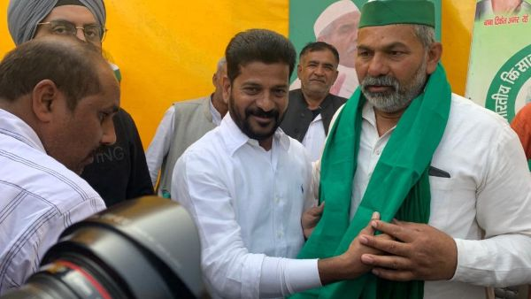 farmers protest: Congress MP Revanth Reddy Meets Rakesh Tikait and invites him to Telangana