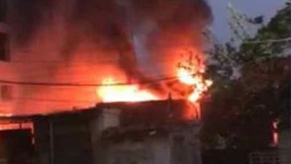 massive fire broke out in pradeep traders building in madanapalle chittoor