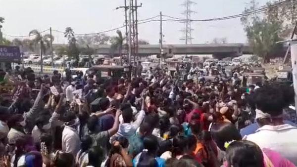 జగన్ సర్కారుకు వాలంటీర్ల షాక్