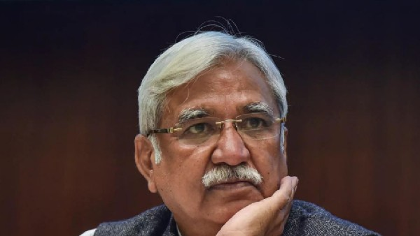 Cant make all happy, says cec sunil Arora in his last press meet, remembers his mother