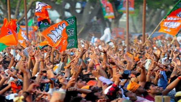 rising infighting BJP shuts doors for mass joinings from TMC