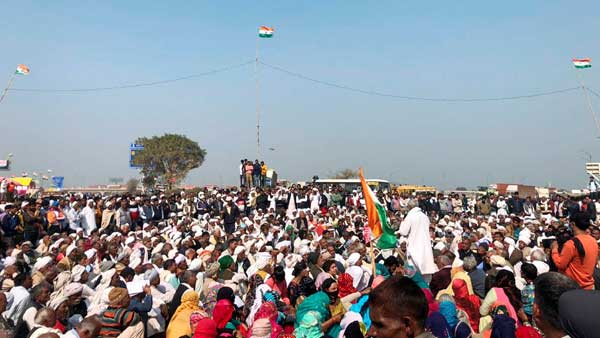 Nearly 40,000 women heading for Delhi protest on Womens day: farmer unions