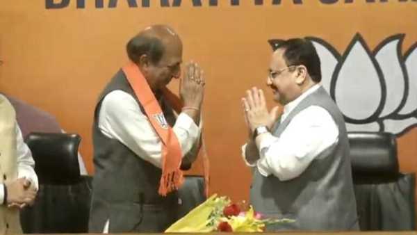 రాజ్యసభలోనే తన ఎంపీ పదవికి రాజీనామా చేసి మమతా బెనర్జీకి షాక్ ఇచ్చిన నేత