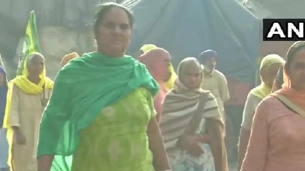 దాడి మళ్లించిన పోలీసులు ... ట్రాఫిక్ ఇబ్బందులు ఎదుర్కొన్న ప్రజలు