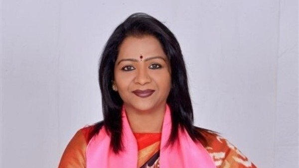 another controversy in greater mayor gadwal vijayalaxmi