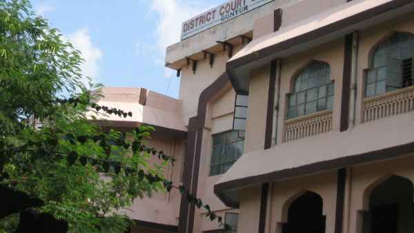covid 19 spread in guntur district court, 3 judges and 12 lawyers tested postive