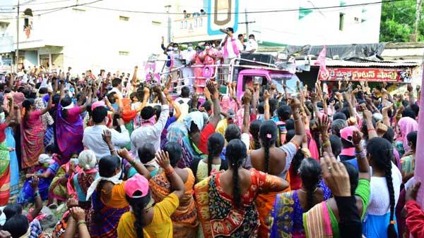 తెలంగాణలో మున్సిపల్ ఎన్నికల పోరు: కరోనా హోరు..ప్రచారాల జోరు..ప్రజలు బేజారు!!