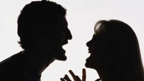 Wife secrets: భార్య మీద పగ, బావమరిదికి బెడ్ రూమ్స్ సీక్రెట్స్ షేర్, పండుగ చేస్తో, భార్య షాక్!