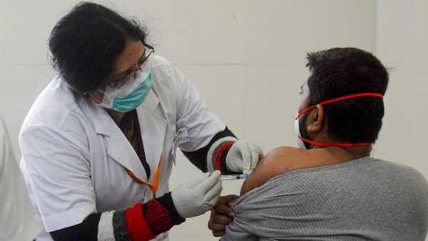 Covid Vaccineపై కేంద్రం కీలక సవరణ -ఇక నేరుగా టీకా కేంద్రాల్లోనూ రిజిస్ట్రేషన్ -18-44వయసు వారికి..