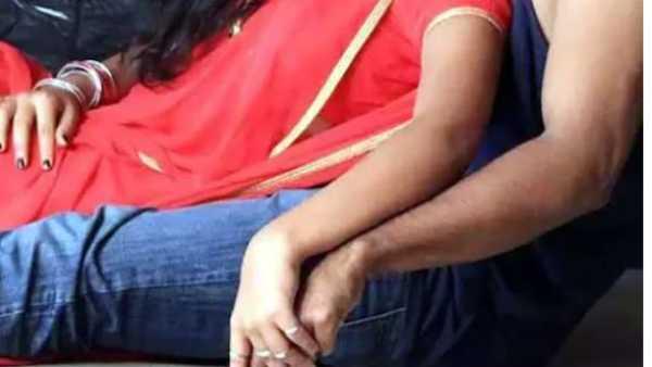 Illegal affair: అత్తా, అల్లుడి అక్రమ సంబంధం, లేచిపోయి పెళ్లి, ఈ పెద్దోళ్లు ఉన్నారే, మా ప్రేమను ?