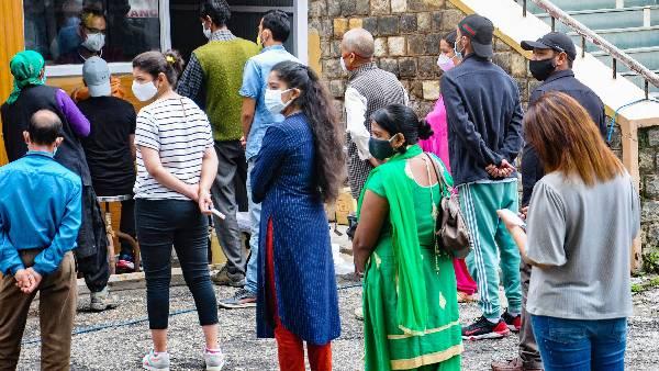 వరుసగా 4వరోజు 20వేల కొత్త కేసులు -Keralaలో కొవిడ్ థర్డ్వేవ్ మొదలైనట్లేనా -బీజేపీకి భిన్నంగా రాహుల్ హెచ్చరిక