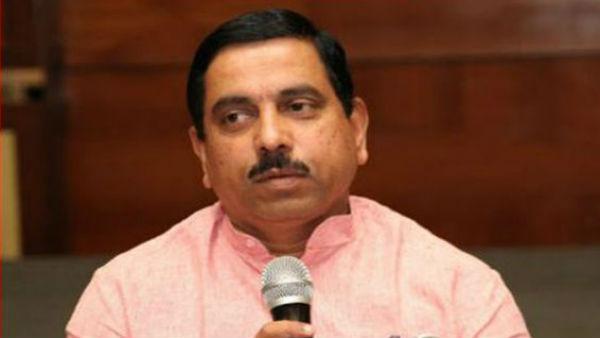 Karnataka Next CM : సీఎం పదవి ఫ్రంట్ రేసులో ఆ ఇద్దరు... బ్రాహ్మణ నేతకే బీజేపీ పట్టం కట్టబోతుందా?