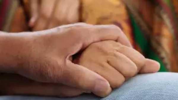 Illegal affair: తల్లీకూతురితో కానిస్టేబుల్ ఎంజాయ్, రెడ్ హ్యాండెడ్ గా చిక్కిపోయి తుపాకితో ఢిష్యూం !