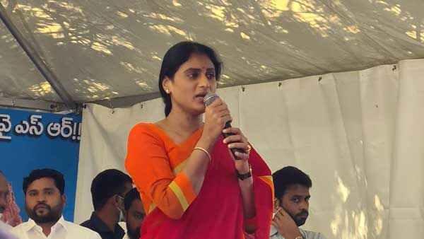 #JusticeForChaithra: మరో దిశ: ఎన్కౌంటర్ కోసం డిమాండ్: పరామర్శించనున్న వైఎస్ షర్మిల