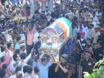 Bengaluru Union Minister Ananth Kumar Cremated With Full State Honoures