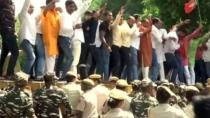 Bjp Members Protest Outside Arvind Kejriwal Residence