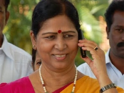 Districts Minister Galla Aruna Kumari Convoy Met With Accident