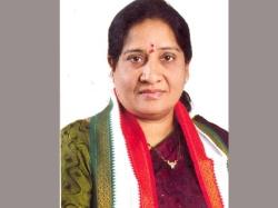 Akula Lalitha Lashes Out At Kalvakuntla Kavitha
