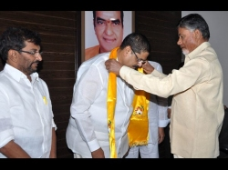 Anam Brothers Joins Telugudesam Lashes Out At Congress For Ap Division