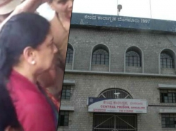 Oppositions Trying Break Sasikala Trails Shift From Bengaluru Jail