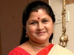 Nirmala Periyasamy Will Join Ops Team On Today From Sasikala