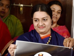 Deepa Jayakumar Postponed Her Nomination Tomorrow Rk Nagar