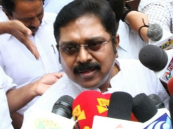 To Know The Hawala Money Dealings Ttv Dinakaran Is Taking Vijayawada