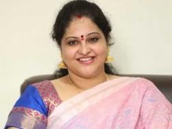 I Met Ysrcp Chief Ys Jagan Cine Actress Raasi