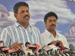 Apngos Condemn Chevireddy Bhaskar Reddy