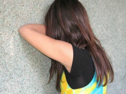 A Young Woman Being Groped Molested East Bengaluru