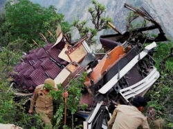 Five Members Died Road Accident At Sunnipenta