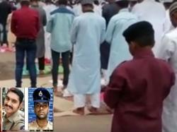 Video Cops Eid Gesture Goes Viral Wins Hearts
