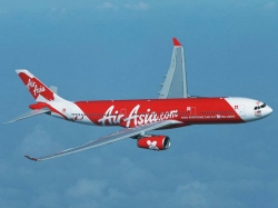 Bird Hits Airasia Flight Narrow Escape Passengers