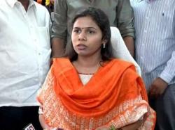 Minister Akhila Priya On Road Widening