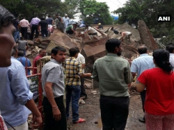 Mumbai 3 Killed After Residential Building Collapses Many Feared