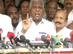 I Am Not Barrier Aiadmk Merger Says Kp Munusamy
