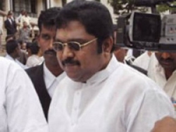 Aiadmk Mlas Hold Discussion Meeting With Ttv Dinakaran