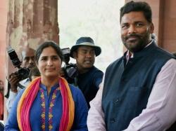 Congress Mp Ranjeet Ranjan S Convoy Crushes Three Death